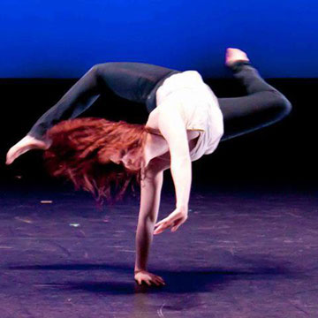 photo of Lexy Cox, guest artist at Bravo! The Centre for Dance